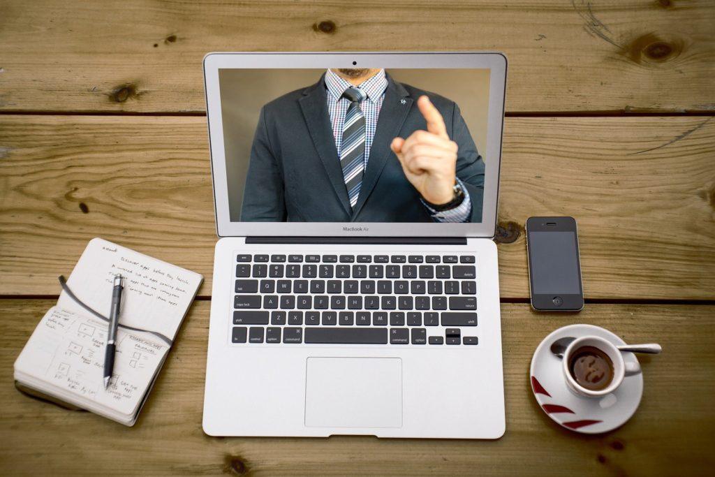 Web面接でのマナー:PCのWebカメラを使うべし|だりあろぐ
